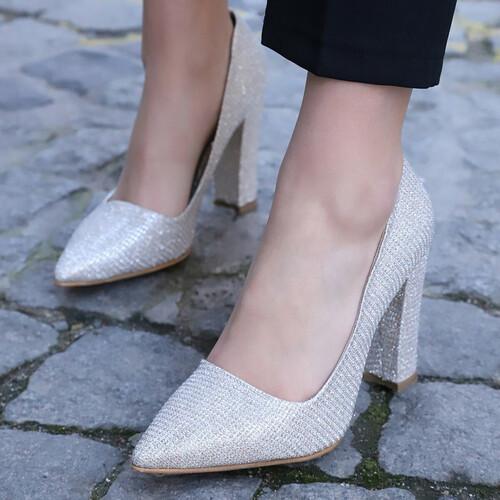 Trendbu Ayakkabı - Kadın Açık Gri Kalın Topuklu Ayakkabı