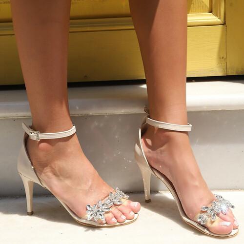 Trendbu Ayakkabı - Kadın Bej Taşlı Tek Bant Topuklu Ayakkabı