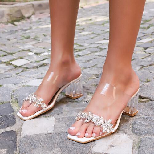 Trendbu Ayakkabı - Kadın Bej Tek Şeritli Taşlı Terlik