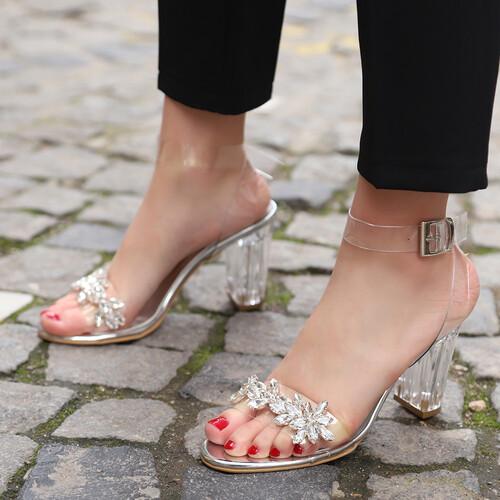Trendbu Ayakkabı - Kadın Gümüş Şeffaf Taşlı Topuklu Ayakkabı 9 cm