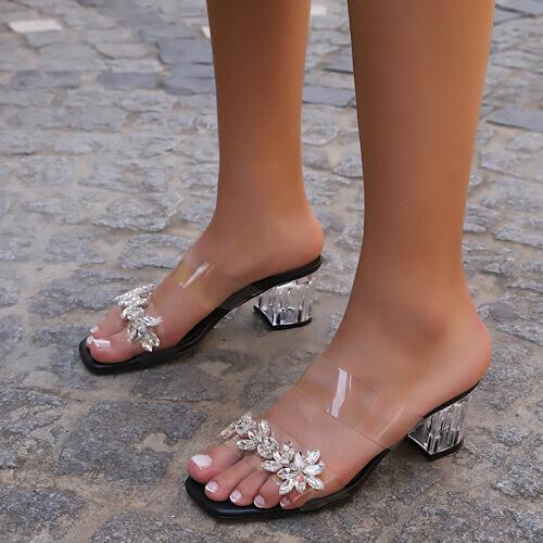 Trendbu Ayakkabı - Kadın Siyah Tek Şerit Taşlı Terlik